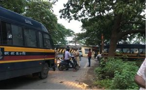 The police have barricaded the entry to Aarey to prevent protesters from entering the area